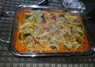 Roter Curry mit Rindfleisch und Bambussprossen